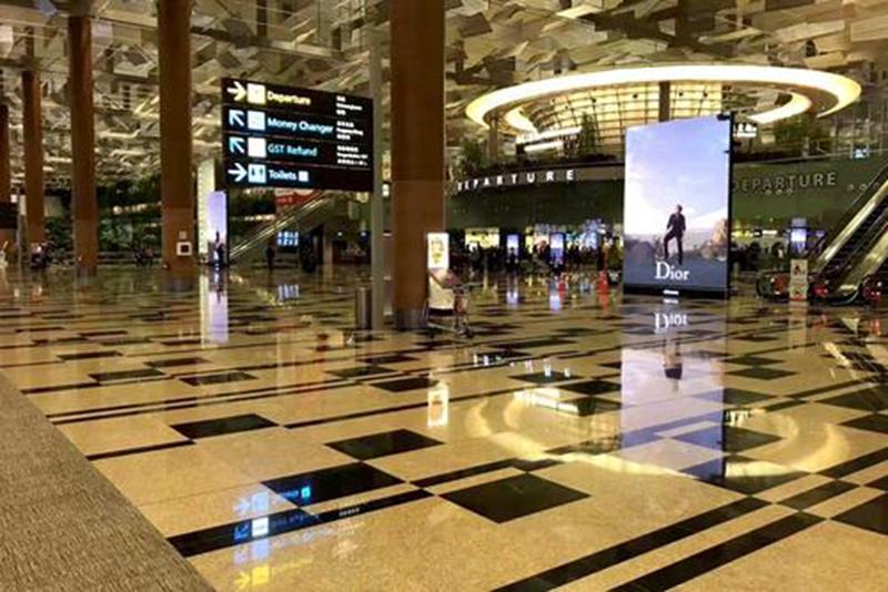 西安市咸阳国际机场T2航站楼安检LED显示屏采购及安装